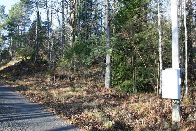 Bild: tomt på Nylundsvägen 25, Norrtälje kommun Smara