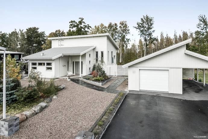 Bild: 5 rum villa på Yachtvägen 33, Enköpings kommun Bredsand
