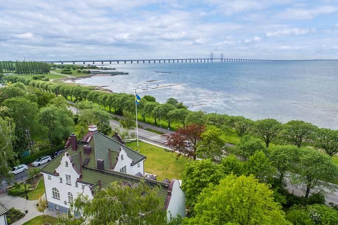 Bild: 394 m² villa på Gustavsgatan 2 A - Villa Strand, Malmö kommun Limhamn