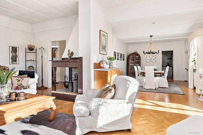 Bild: 6 rum villa på Göteborgsvägen 8, Bollebygds kommun Centrala Bollebygd