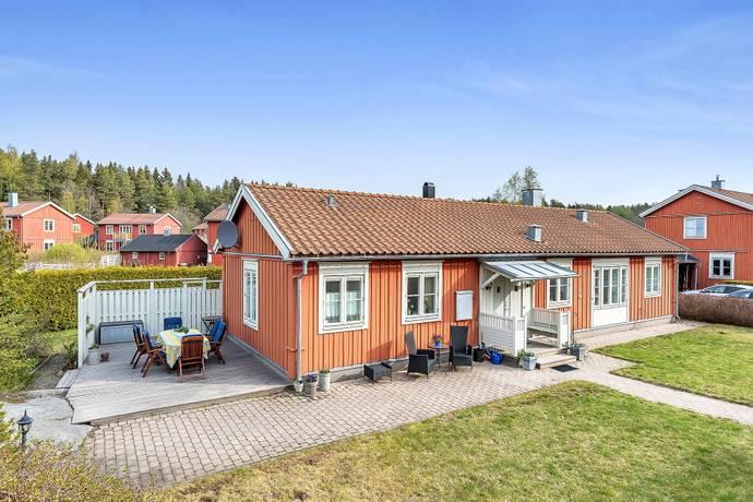 Bild: 4 rum villa på RUDDAMMSVÄGEN 23, Österåkers kommun Säby Gård
