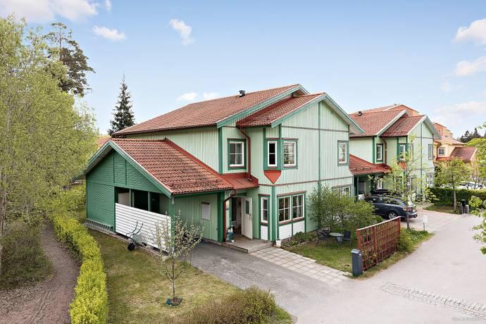 Bild: 5 rum radhus på Herrhagsvägen  240, Uppsala kommun Herrhagen