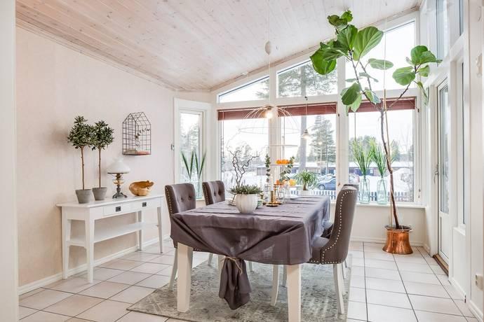 Bild: 4 rum radhus på Svanvägen 12, Östersunds kommun Odensala