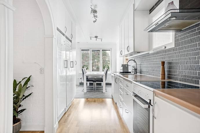 Bild: 3 rum bostadsrätt på Ekholmsvägen 255, vån 3, Stockholms kommun Skärholmen
