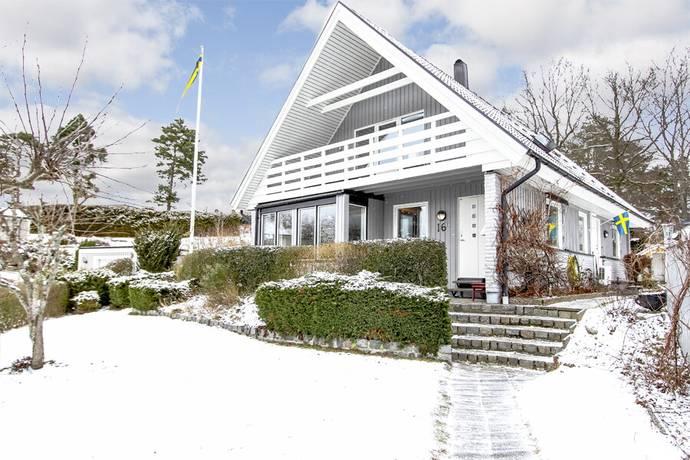 Bild: 5 rum villa på Ekoxevägen 16, Karlshamns kommun Asarum Korpadalen
