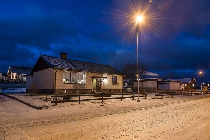 Bild: 5 rum villa på Bäckgatan 16, Habo kommun Bränninge