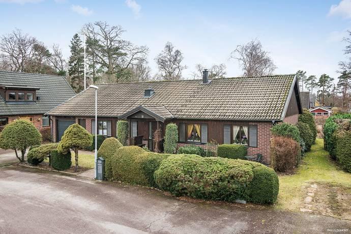 Bild: 4 rum villa på Nötskrikevägen 10, Ängelholms kommun Vejbystrand