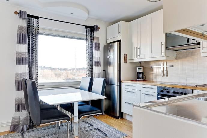 Bild: 3 rum bostadsrätt på Dagsverksvägen 241, Stockholms kommun Spånga - Solhem