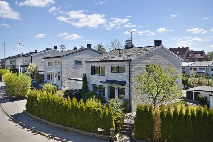 Bild: 6 rum radhus på Barrstigen 24, Lidingö kommun Högberga