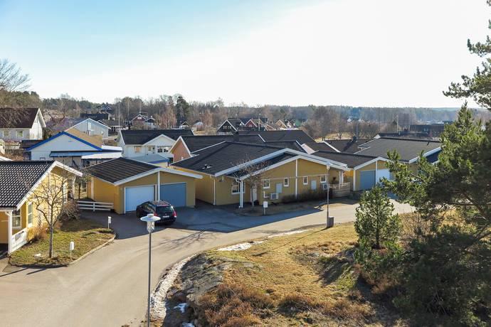 Bild: 2 rum radhus på Segersborgsgatan 40, Västerviks kommun Kvännaren