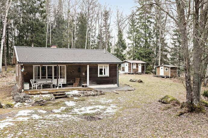 Bild: 3 rum fritidshus på Addebodavägen 5, Norrtälje kommun Addeboda