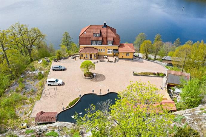 Bild: 22 rum villa på Tullinge strand 32, Botkyrka kommun