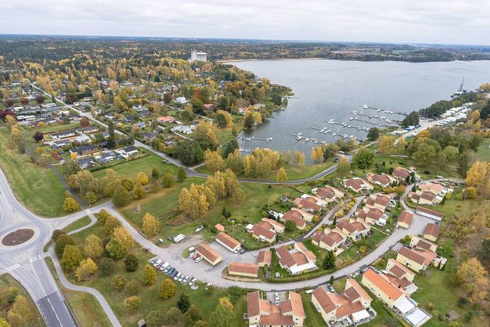 Bild: 6 rum villa på Aronsborg 8, Håbo kommun Bålsta Aronsborg