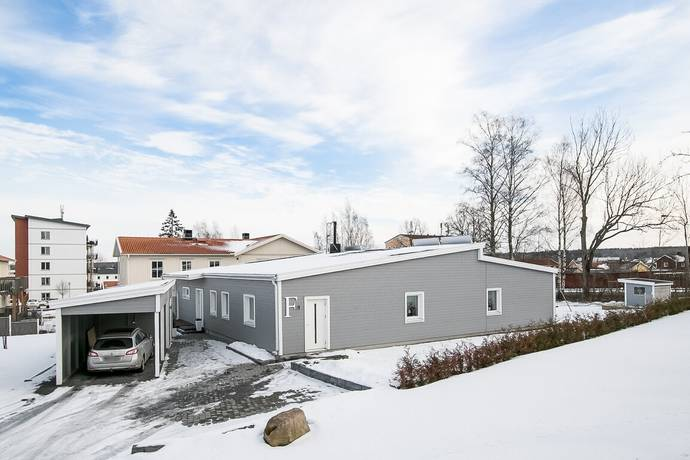 Bild: 7 rum villa på Väpnaregatan 27F, Örebro kommun Näsby