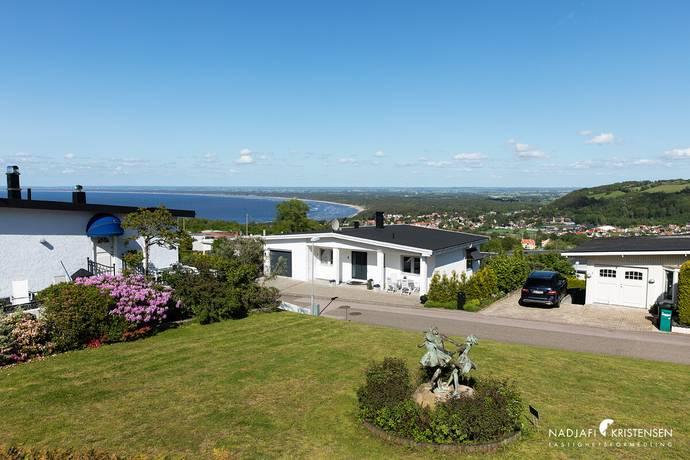 Bild: villa på Heimdalls väg 1, Båstads kommun Ranviksterrassen