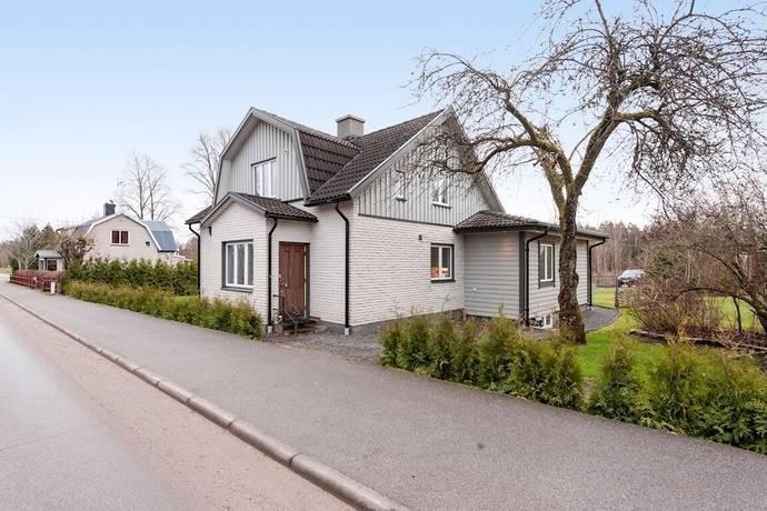 Bild: 9 rum villa på Vislandavägen 58, Ljungby kommun Ljungby