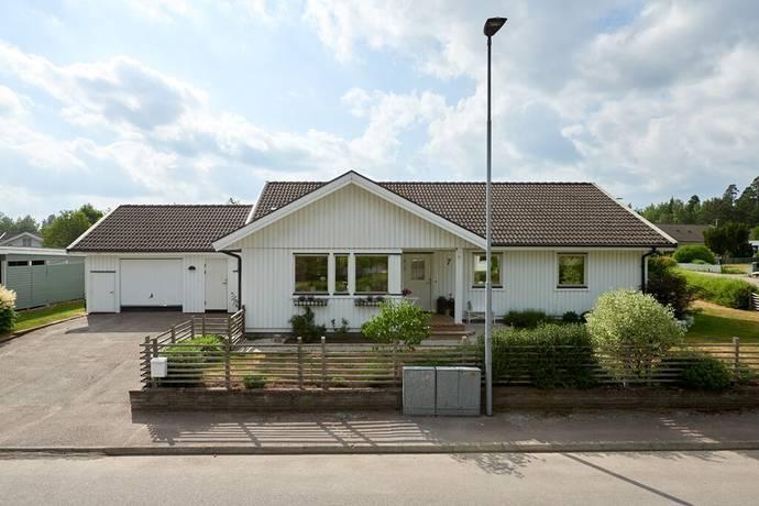 Bild: 4 rum villa på Päronvägen 7, Växjö kommun Hovshaga