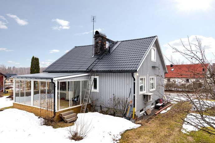 Bild: 5 rum villa på Övertjärnsvägen 16, Söderhamns kommun