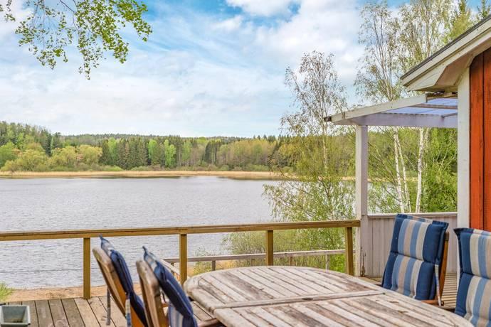 Bild: 2 rum fritidshus på Granbacken 1, Nyköpings kommun Lästringe Vikstugan
