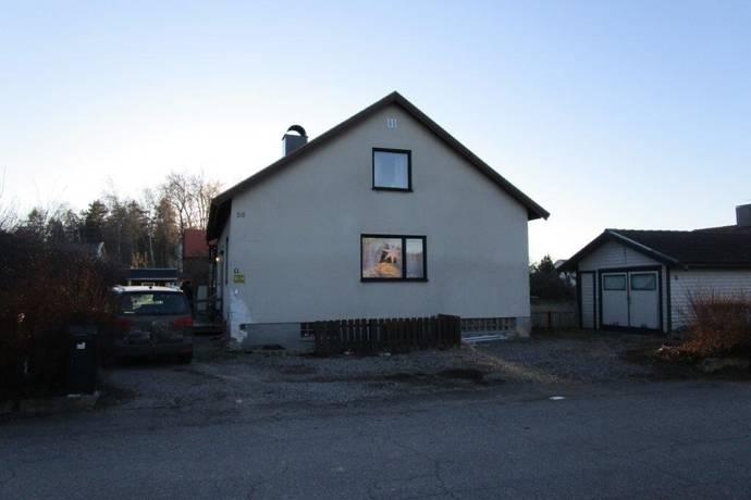 Bild: 7 rum villa på Hanstäppevägen 26, Hallstahammars kommun