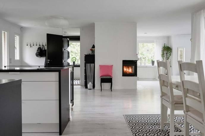 Bild: 6 rum villa på Barrvägen 4b, Sollentuna kommun Edsviken