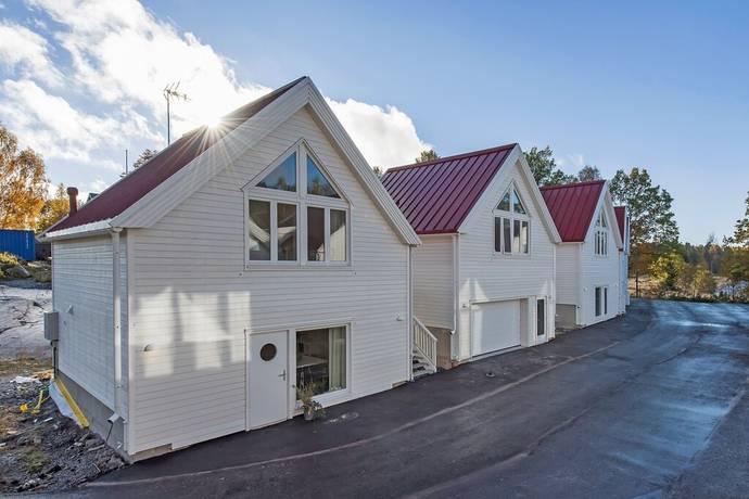 Bild: 2 rum bostadsrätt på Rallarbacken 20, Österåkers kommun Runö