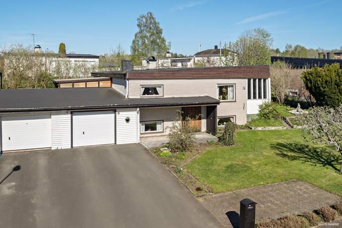 Bild: 5 rum villa på Fågelsångsvägen 26, Eksjö kommun Nära Kvarnarpasjön