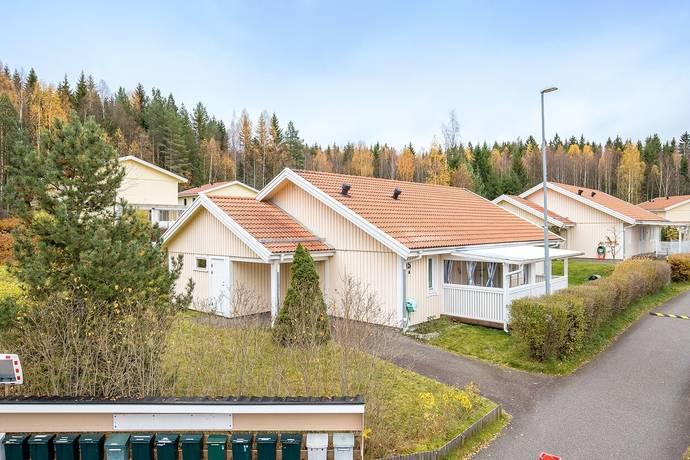 Bild: 4 rum villa på Violstigen 15a, Ludvika kommun LUDVIKA Knutsbo