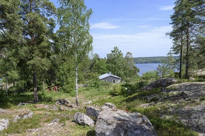 Bild: tomt på Vattubrinksvägen 26A, Södertälje kommun Vattubrinken