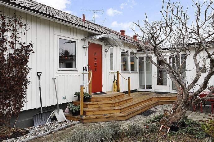 Bild: 6 rum radhus på Hödervägen  13, Österåkers kommun Österskär