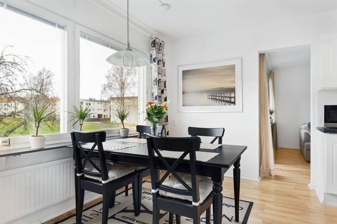 Bild: 3 rum bostadsrätt på Hjortronvägen 75, Upplands-Bro kommun Kungsängen/Tibble