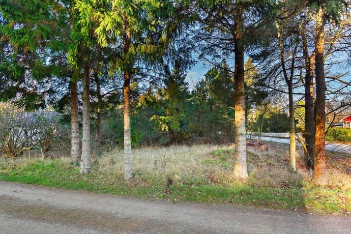 Bild: tomt på Kyhls strandväg 2, Simrishamns kommun Kyhls strand