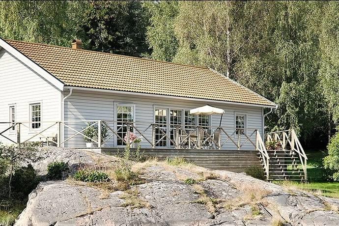 Bild: tomt på Plogvägen  18, Ystads kommun Glemmingebro