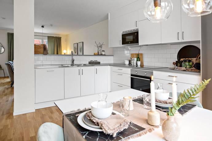 Bild: 5 rum radhus på Älvsundavägen 10, Upplands Väsby kommun Eds Ängar