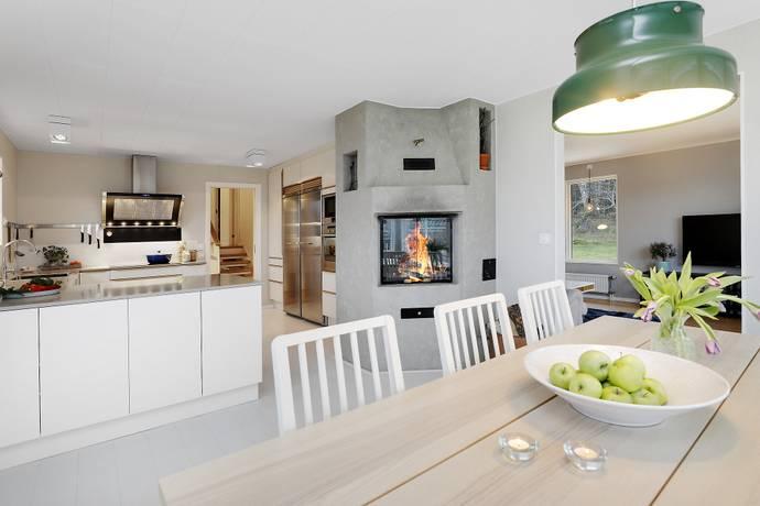Bild: 5 rum villa på Norrtorpsvägen  5, Sigtuna kommun Rosersberg