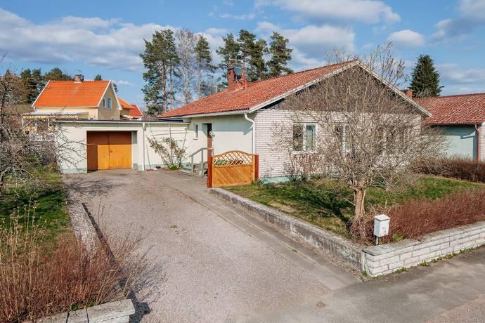 Bild: 5 rum radhus på Radhusgatan 1, Karlsborgs kommun