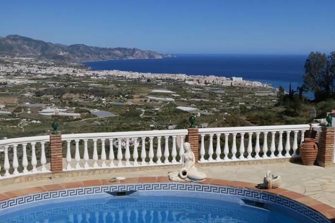 Bild: 9 rum villa på Villa med magnifik utsikt i Punta Lara, Spanien Nerja
