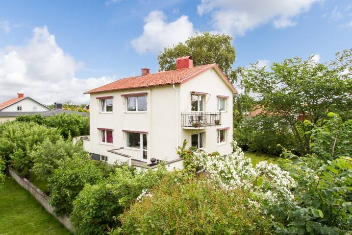 Bild: 6 rum villa på Borgmästaregatan 25, Falkenbergs kommun Herting