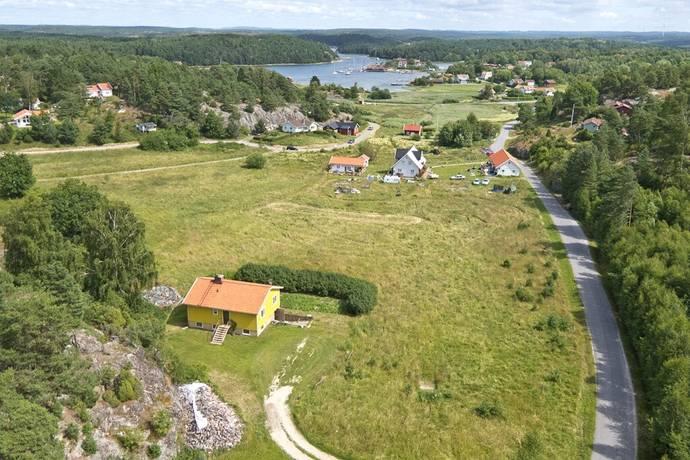 Bild: tomt på Kockholmsvägen 18, Strömstads kommun Rossö