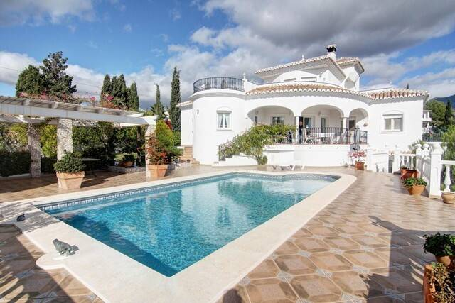 Bild: 5 rum villa på Stilfull villa i populära Cortijo de San Rafael!, Spanien Frigiliana