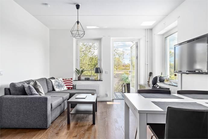 Bild: 2 rum bostadsrätt på Gamlegårdsvägen 12, Huddinge kommun Centrala Huddinge