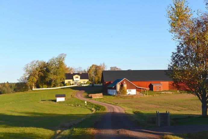 gårdar till salu i västra götaland