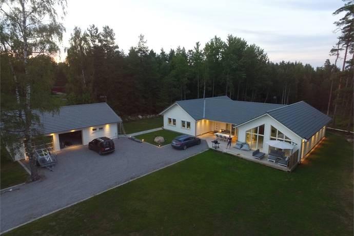 Bild: 6 rum villa på Risinge Tallstugan, Växjö kommun