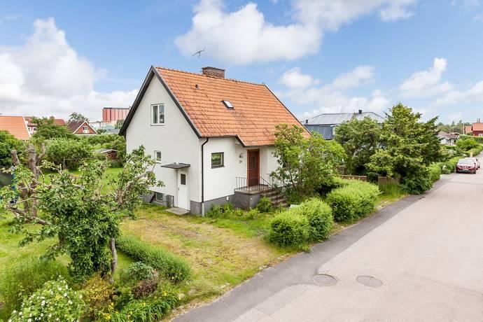 Bild: 5 rum villa på Trottegatan 24, Falkenbergs kommun Västra Gärdet