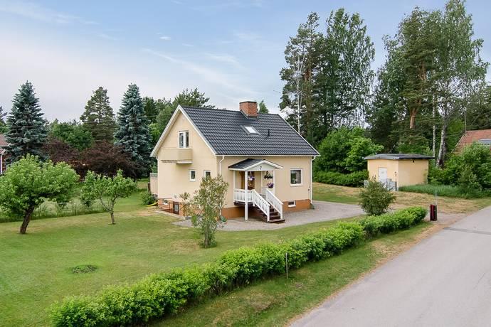 Bild: 4 rum villa på Finnäsgatan 7, Sandvikens kommun Järbo