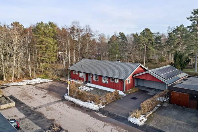 Bild: 6 rum villa på Kanotgatan  9, Vänersborgs kommun Mariedal