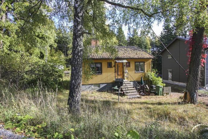 Bild: 3 rum villa på Björnvägen 6B, Huddinge kommun Länna