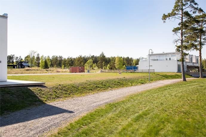 Bild: tomt på Spårljusvägen 4a-c, Karlsborgs kommun