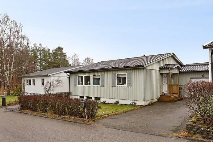 Bild: 4 rum villa på Klappdansvägen 3, Uddevalla kommun Hovhult