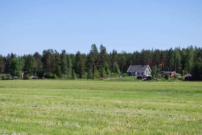 Bild: tomt på Rippebo 15C, Uppsala kommun Björklinge